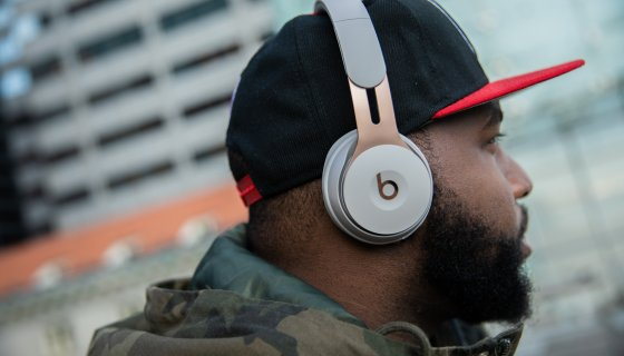Hhw Tech Review Apple Beats Continues To Head In The Right Direction With The Beats Solo Pro Nuevo Culture